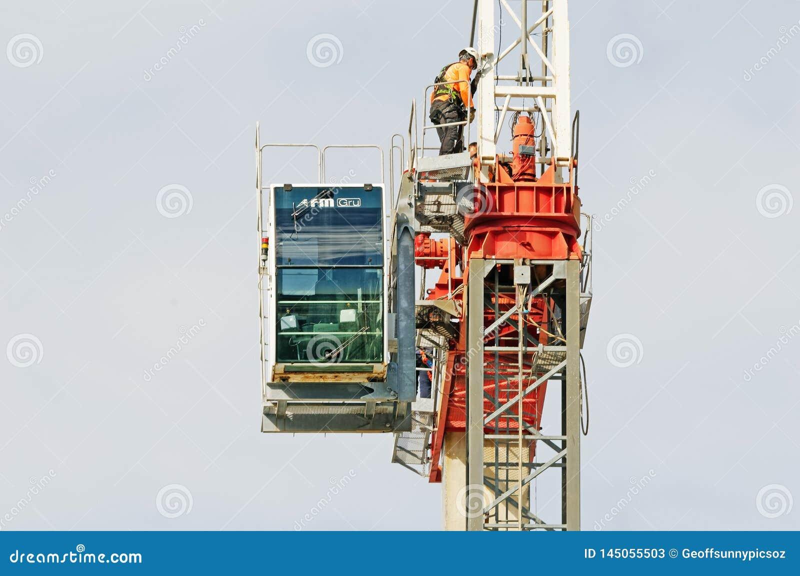 Construction crane removal. Update ed309. Gosford. April 9, 2019
