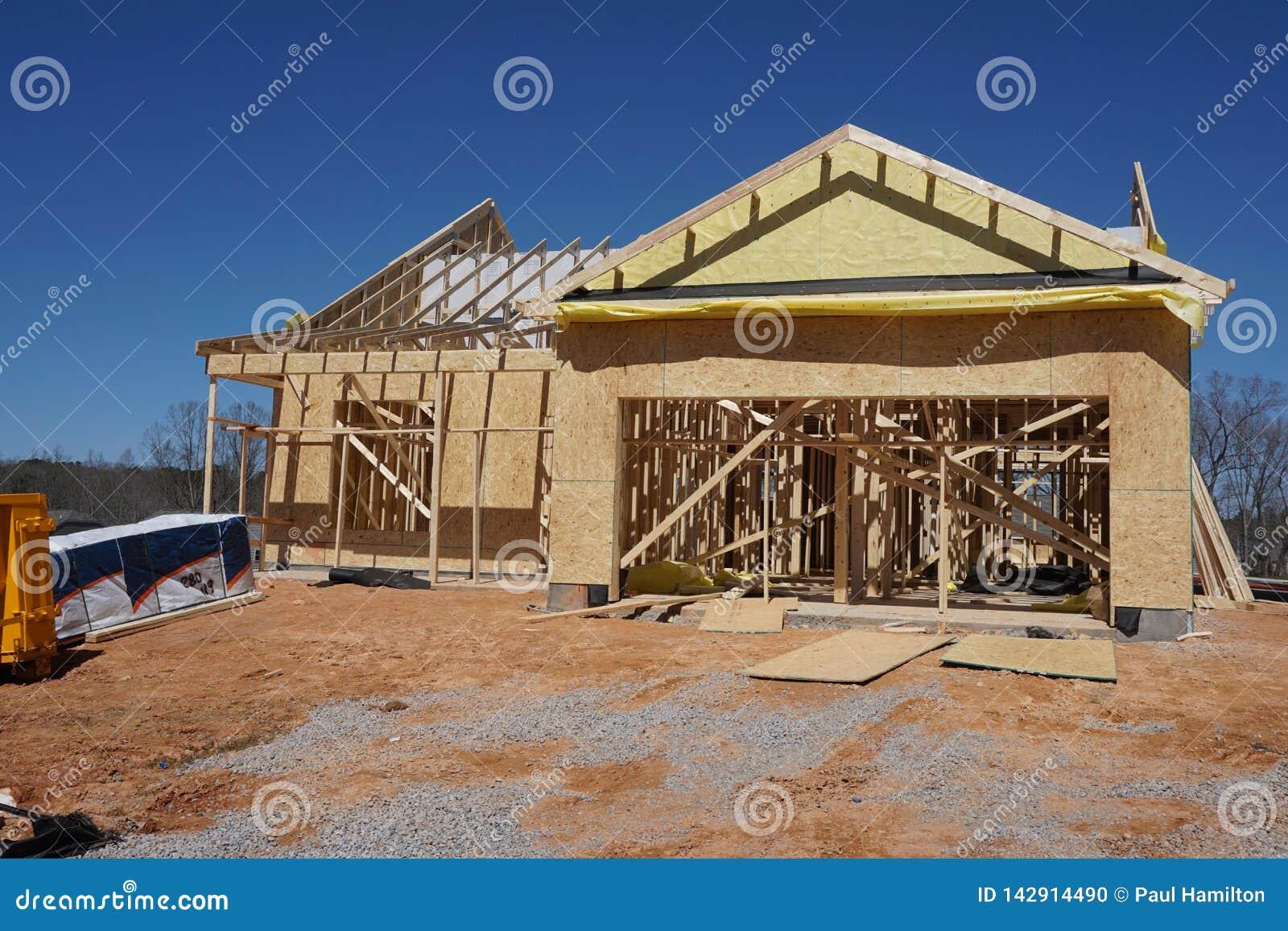Construction d une maison suburbaine montrant l encadrement