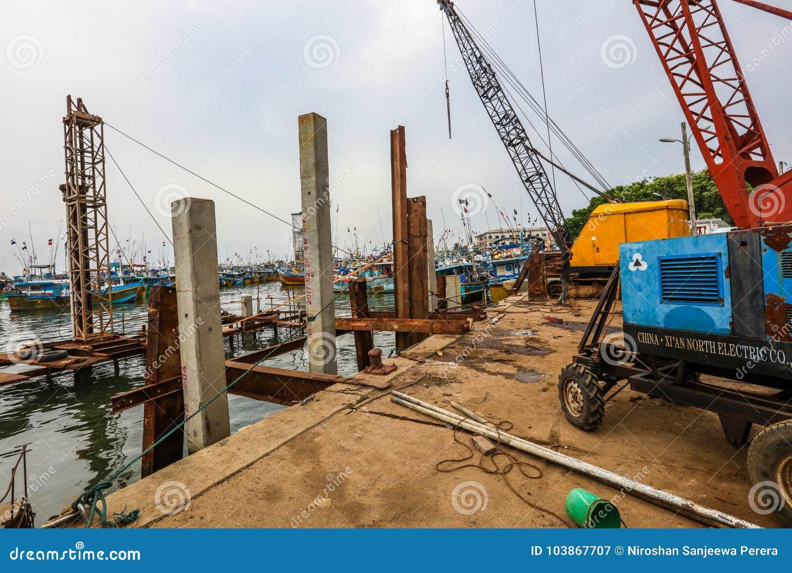 Construction dans le port de Galle, Sri Lanka