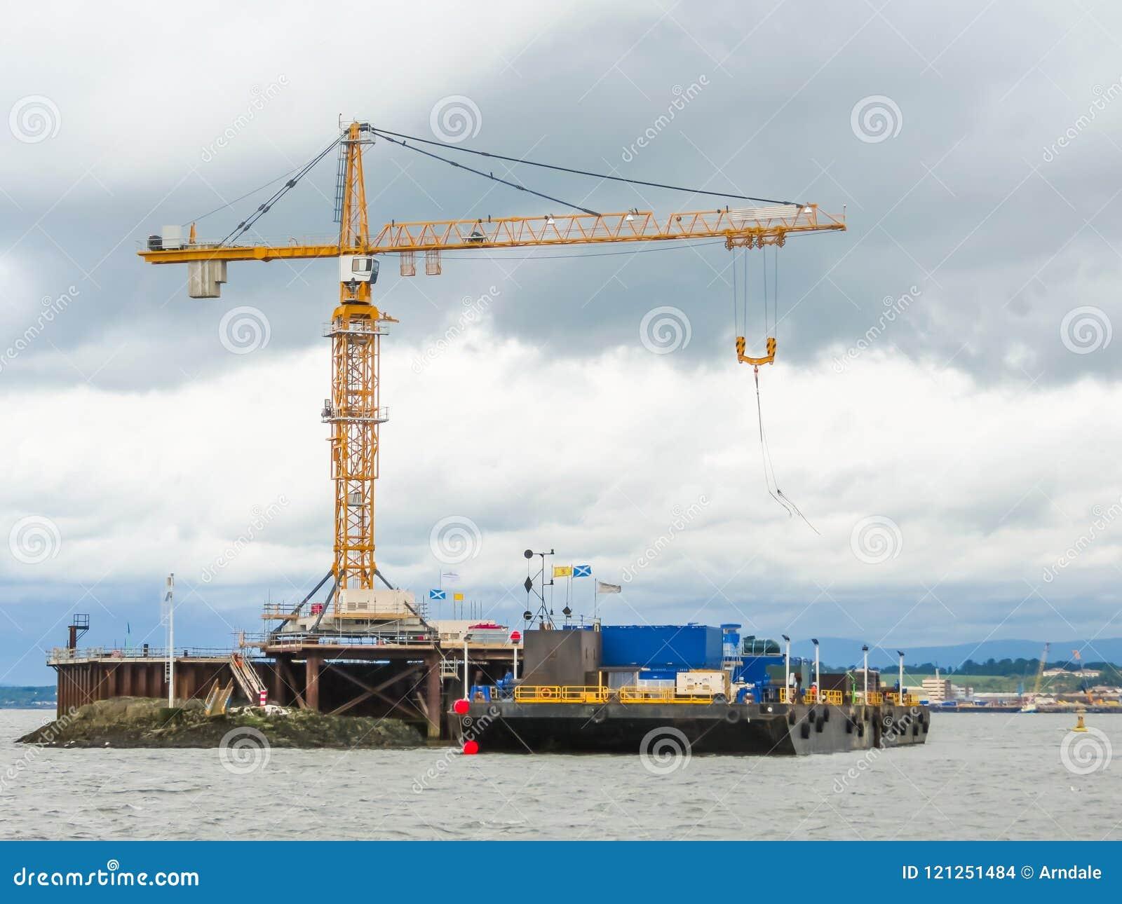 Construction de la plate-forme dans la baie