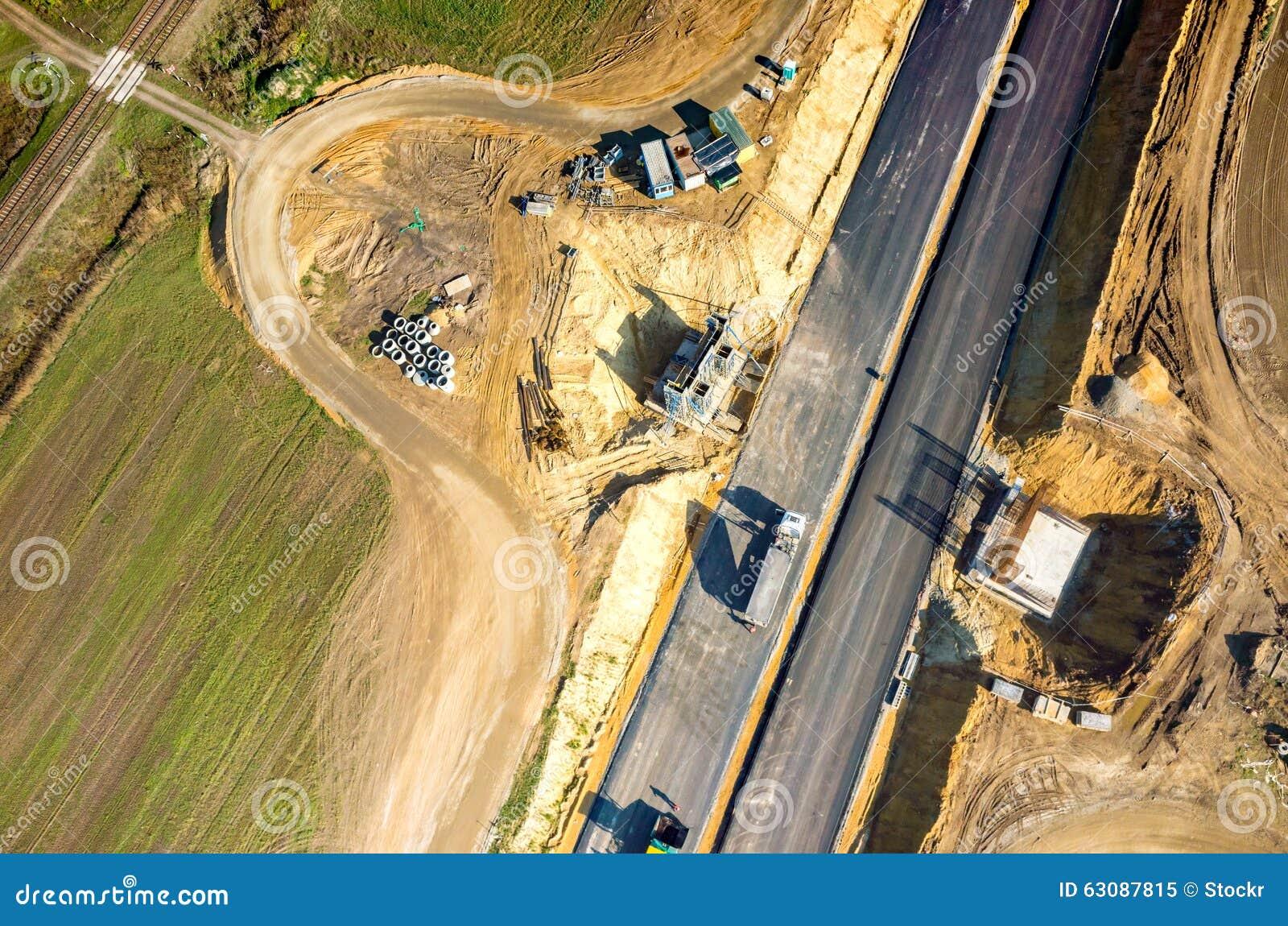Download Construction De Routes Neuve Image stock - Image du bitume, gravier: 63087815