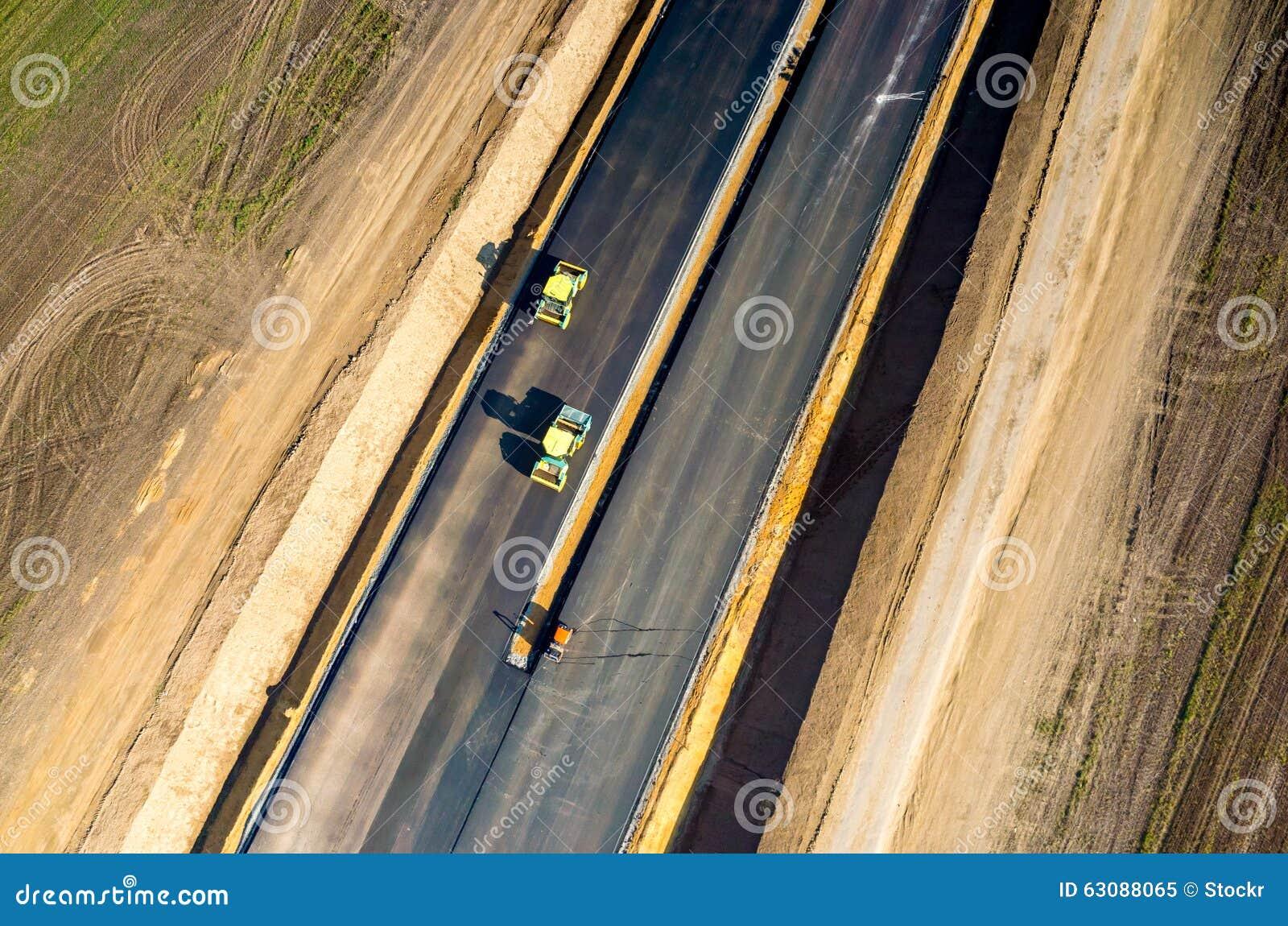 Download Construction De Routes Neuve Image stock - Image du machines, chargeur: 63088065