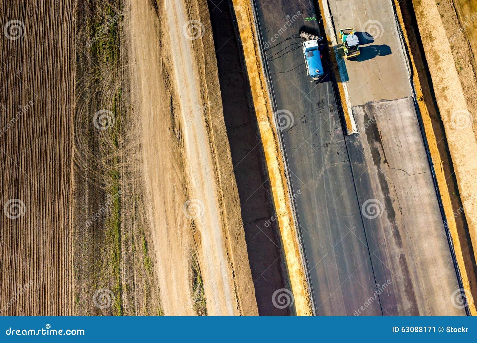 Download Construction De Routes Neuve Image stock - Image du paver, roulement: 63088171