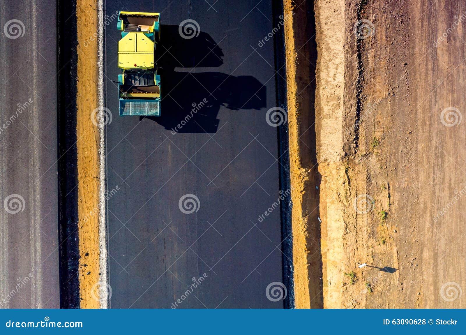 Download Construction De Routes Neuve Photo stock - Image du trottoir, omnibus: 63090628