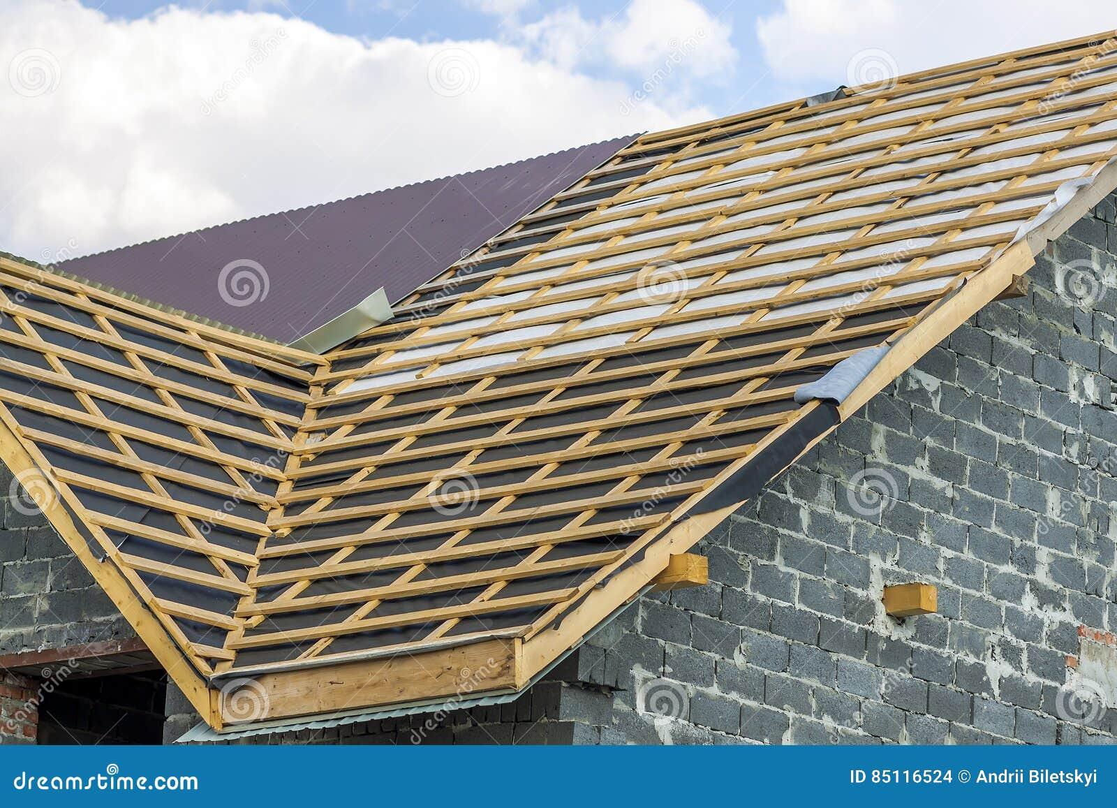 construction de toiture construction en bois de chambre de. Black Bedroom Furniture Sets. Home Design Ideas