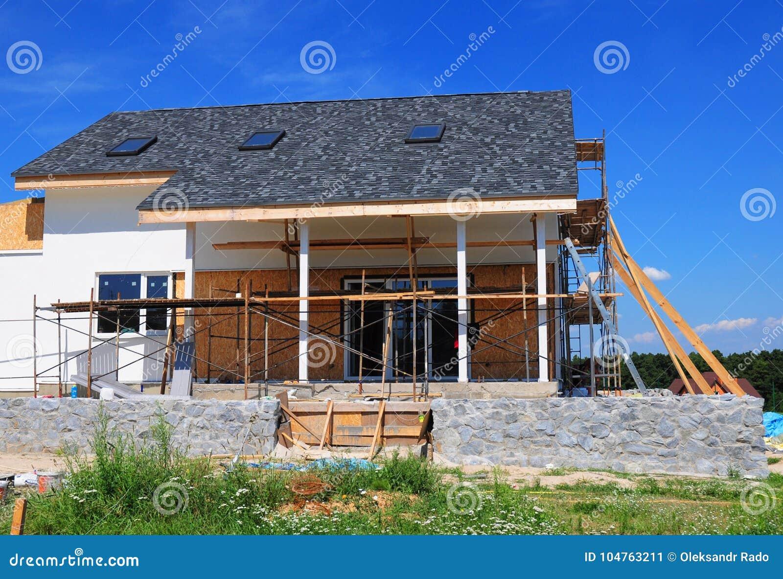 Construction De Toiture Logez La Construction Avec Des Bardeaux Toit ...