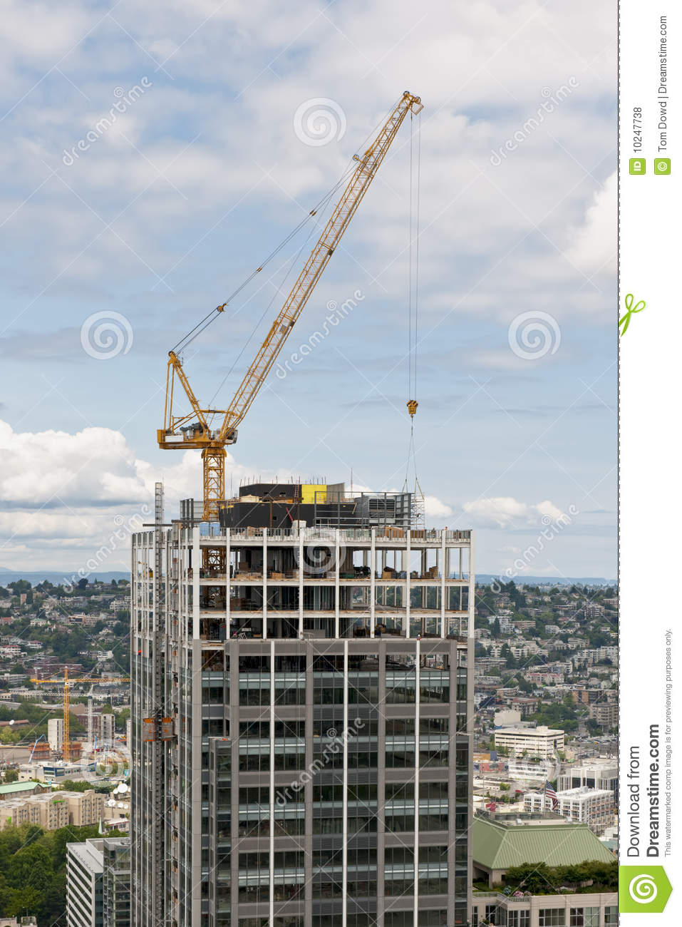 Construction du gratte ciel de grue photos libres de droits image 10247738 - Construction gratte ciel ...