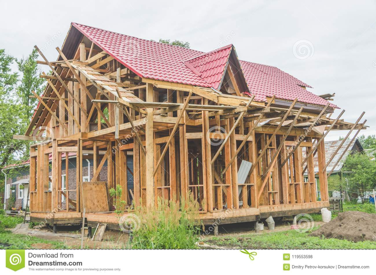 Construction of a frame house, metal roof
