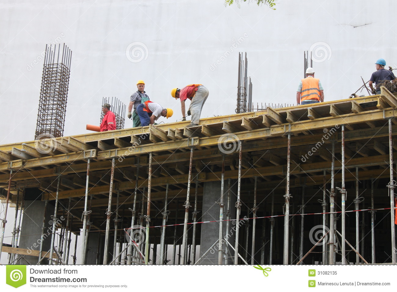 Construction workers editorial image image 31082135 for Modern building construction