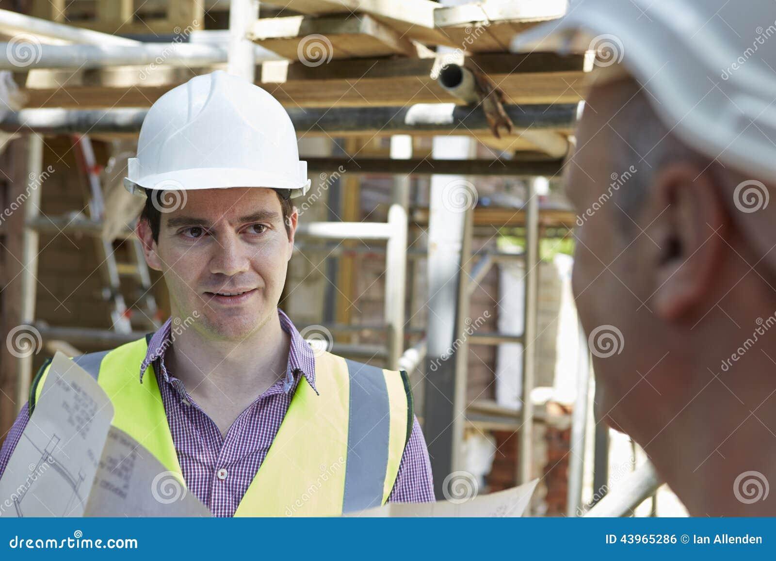 Construtor de Discussing Plans With do arquiteto