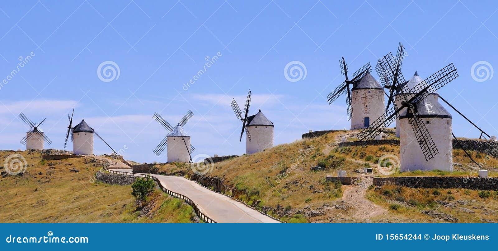 Consuegra spain traditionella windmills