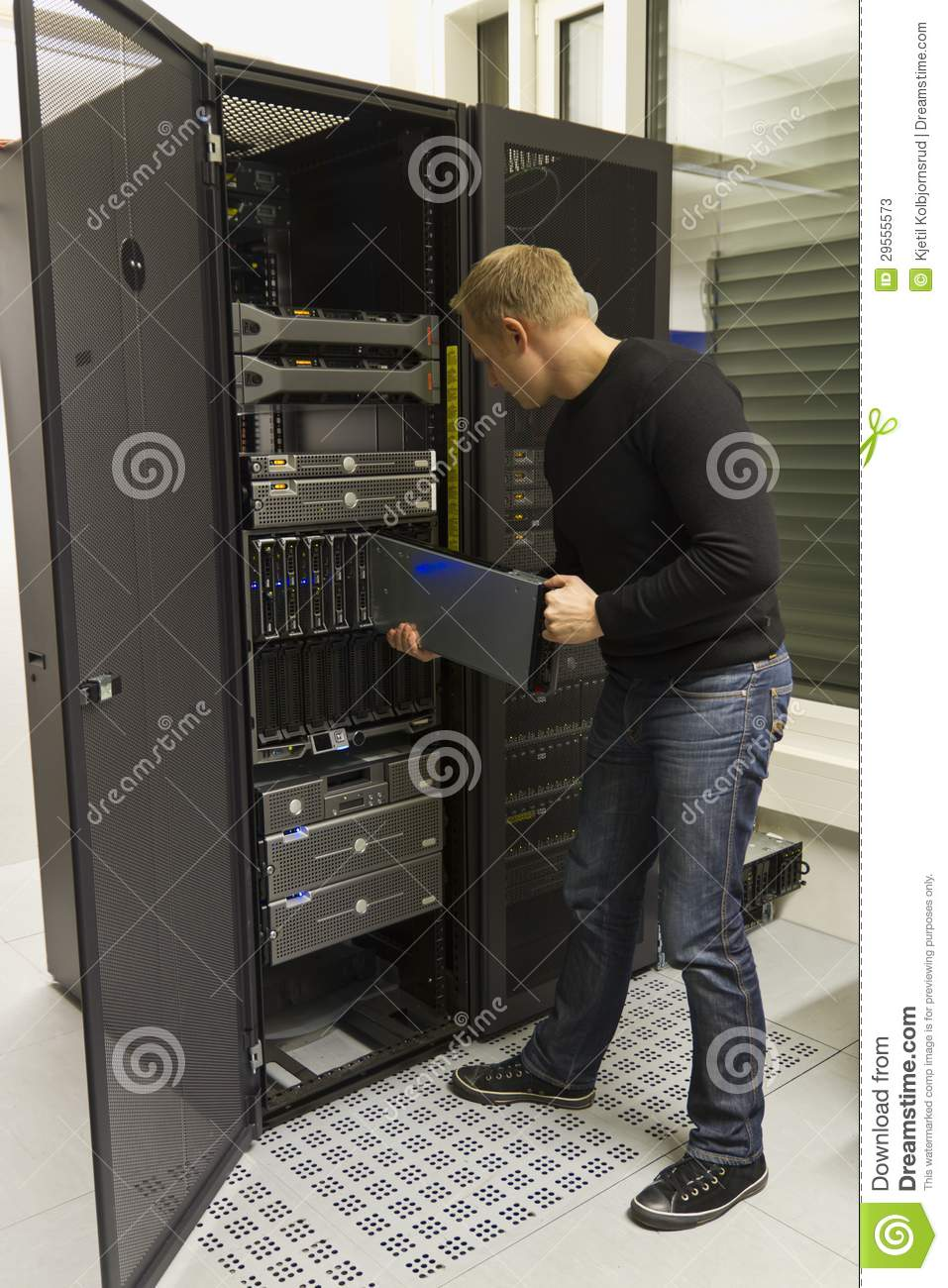 It consulant install blade server stock photos image for Install consul