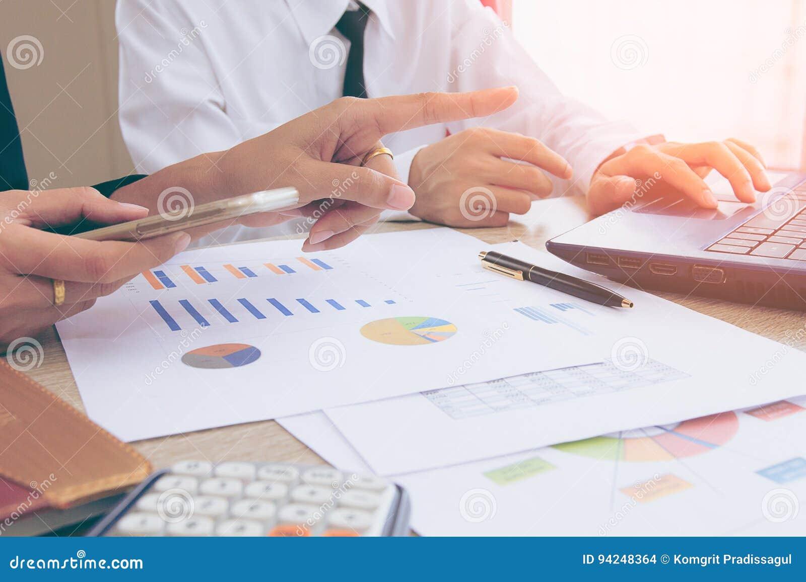 Consulta da reunião da equipe do negócio