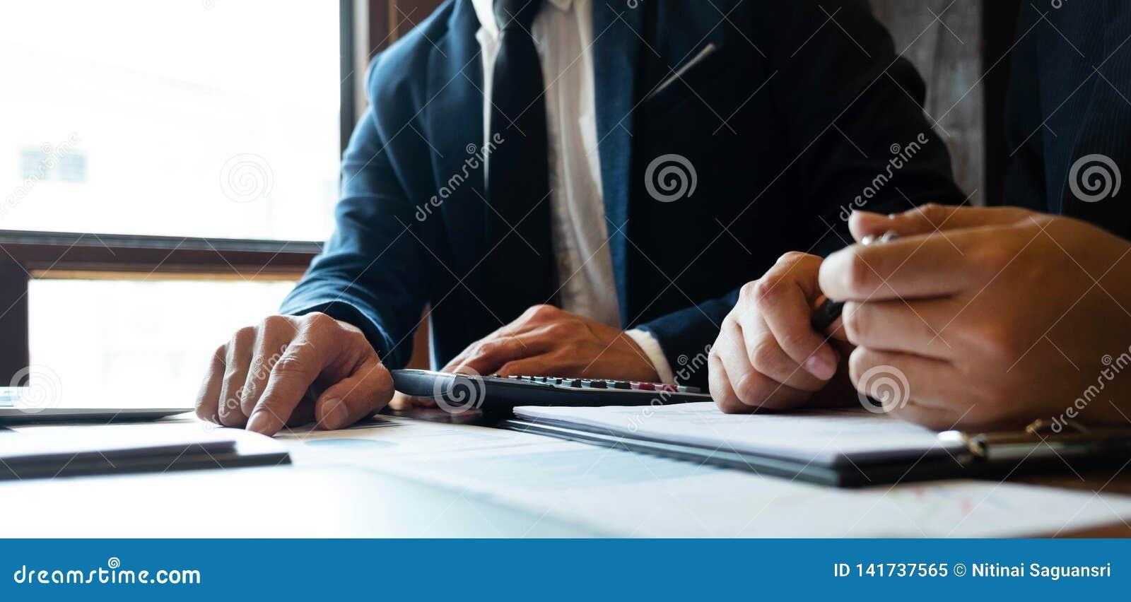 Consultant en matière de comptabilité, planification de planification de Financial Consultant Financial de conseiller commercial