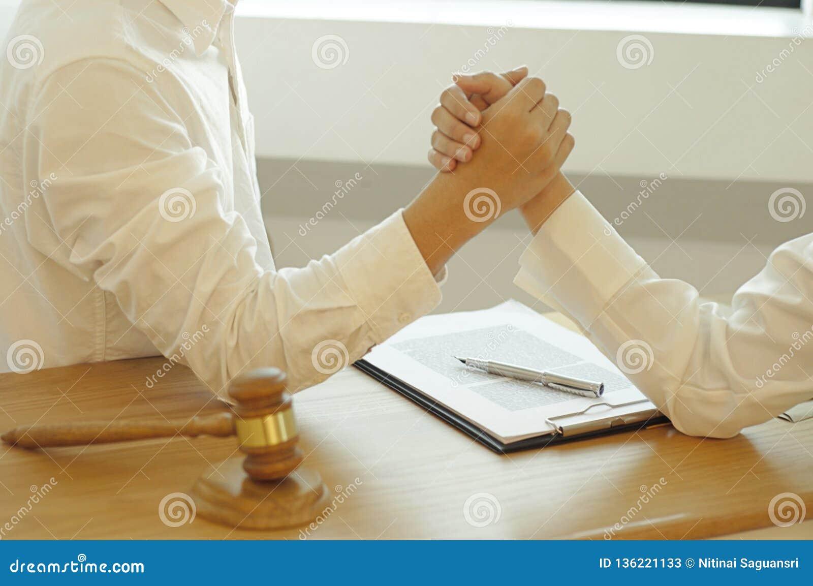 Consultation pour des avocats et la coopération d affaires