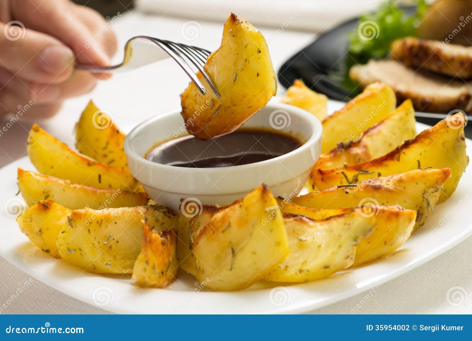 Consumición de Fried Wedge Potato