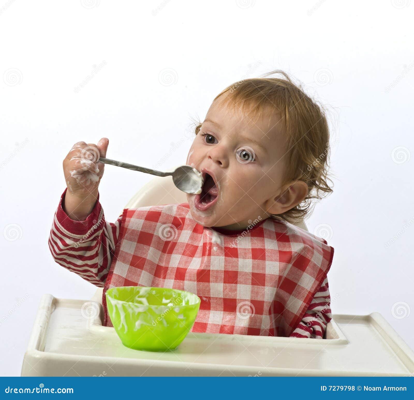 Consumición del niño joven