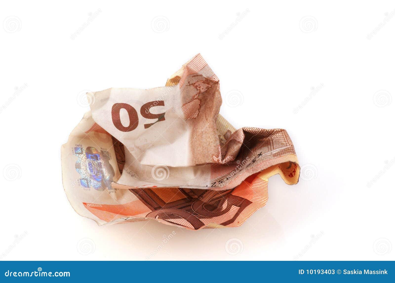 Conta amarrotada do euro 50.