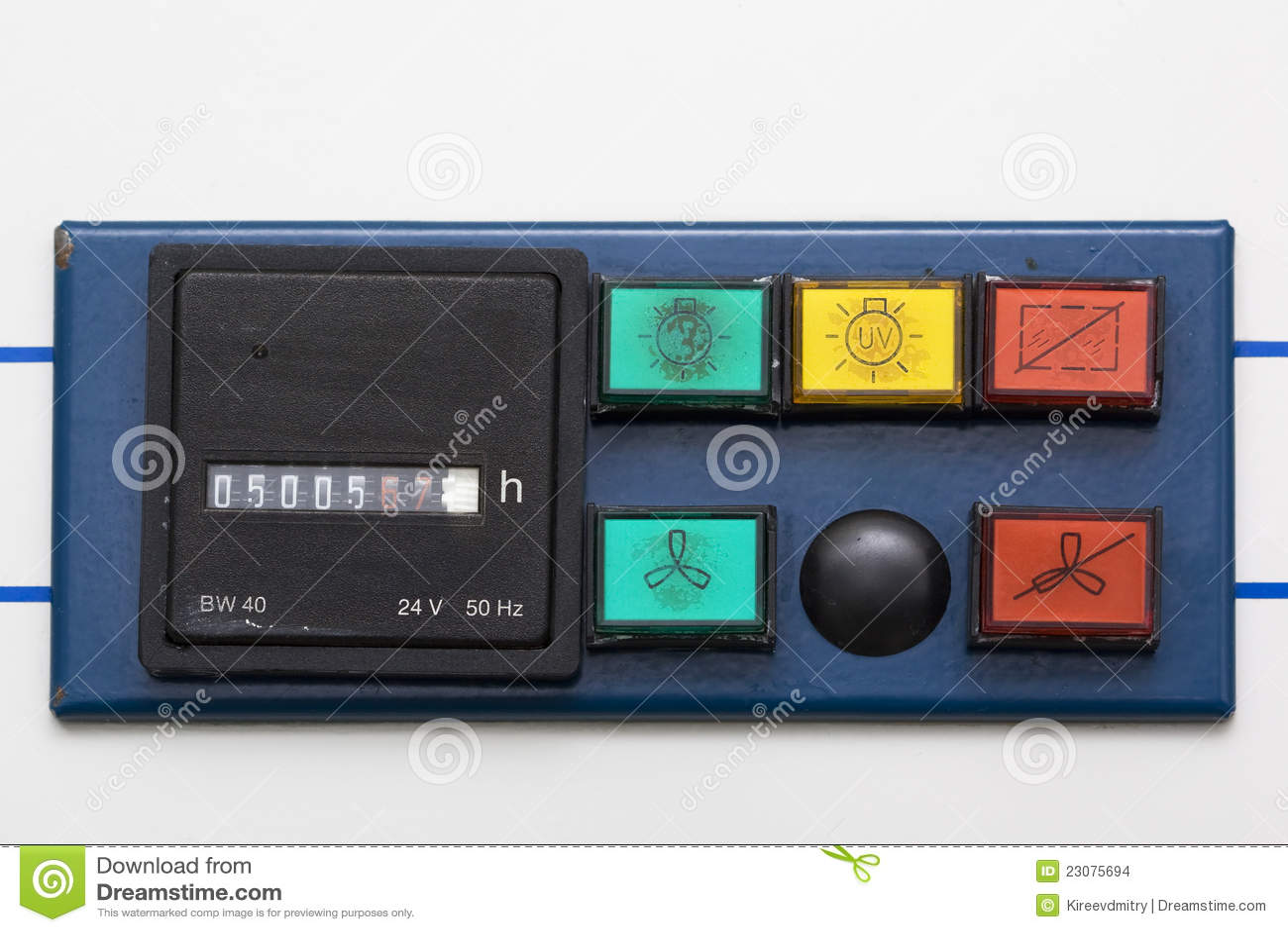 Contador y botones de la cabina de seguridad vieja