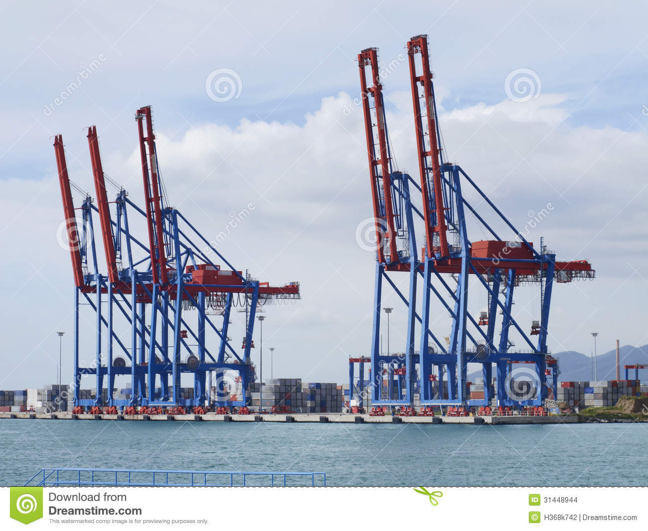 Harbor Freight Gantry Crane >> Container Terminal With Gantry Cranes Stock Images - Image ...