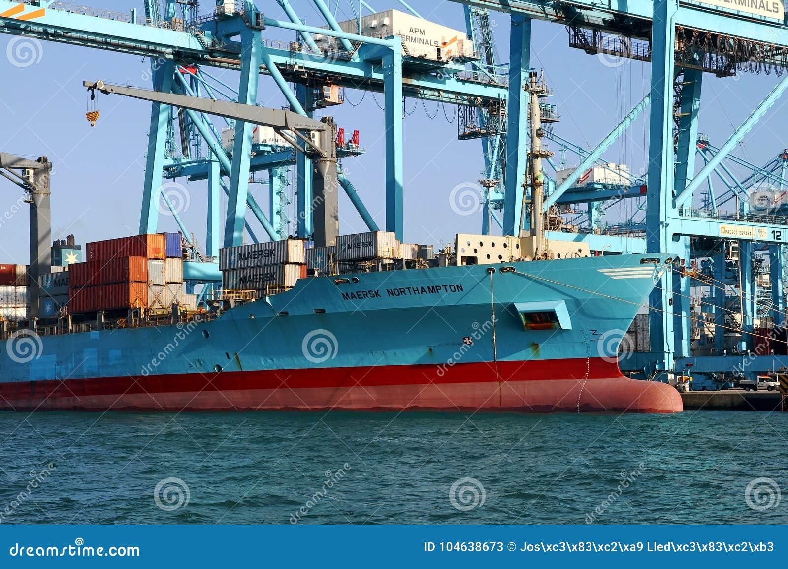 Download Containerschip Maersk Die Northampton Met Containerskranen Werken Redactionele Stock Foto - Afbeelding bestaande uit overzees, industrieel: 104638673