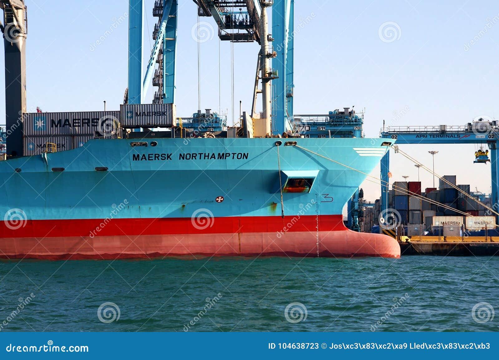 Download Containerschip Maersk Die Northampton Met Containerskranen Werken Redactionele Stock Foto - Afbeelding bestaande uit boot, schip: 104638723