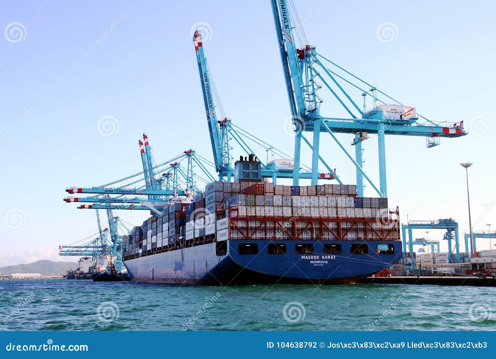 Download Containerschip Maersk Die Sarat Met Containerskranen Werken Redactionele Fotografie - Afbeelding bestaande uit sailing, overzees: 104638792