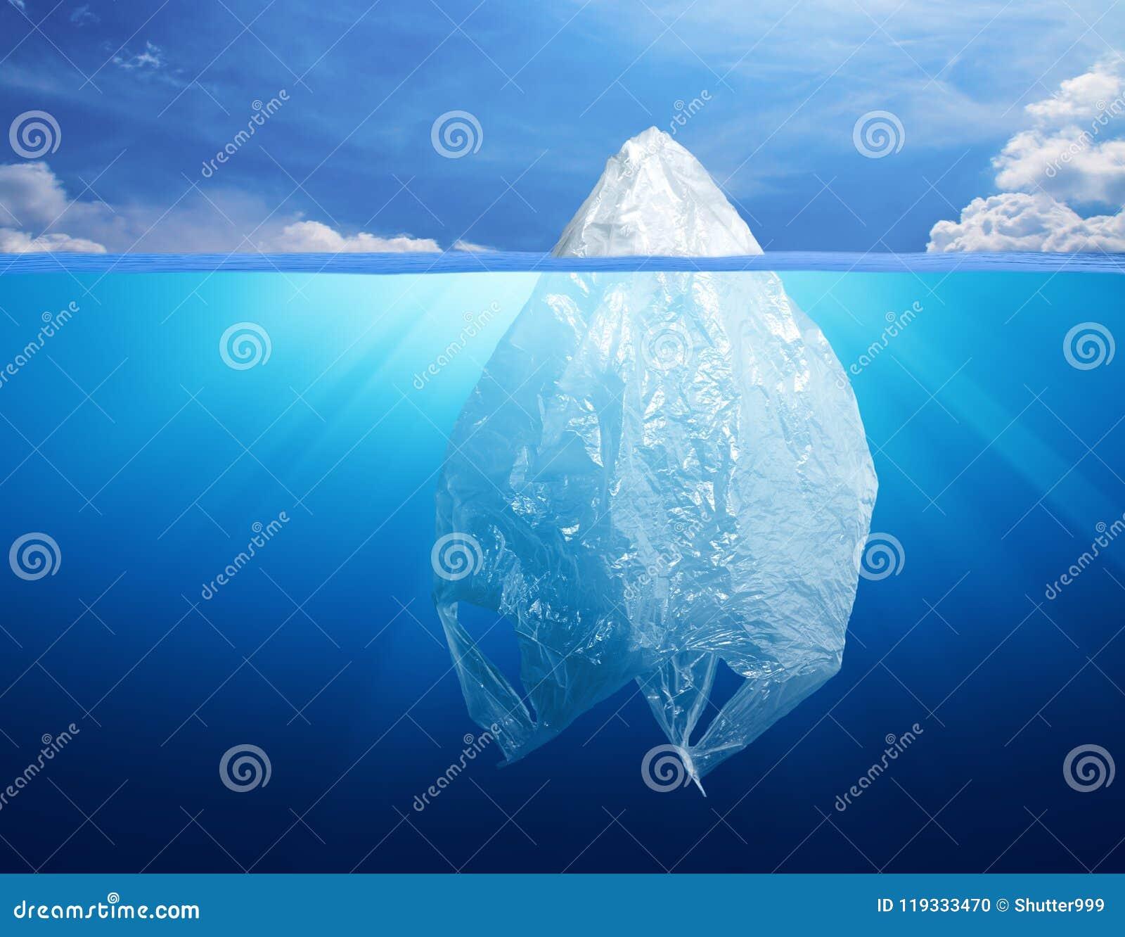 Contaminación del ambiente de la bolsa de plástico con el iceberg