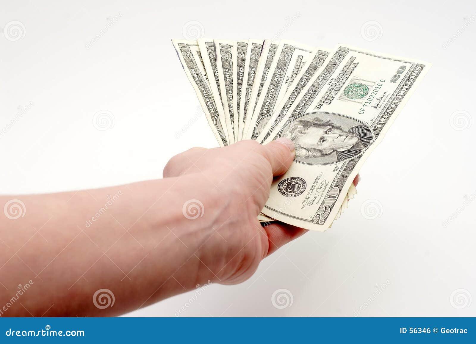 Contas pagando com dinheiro