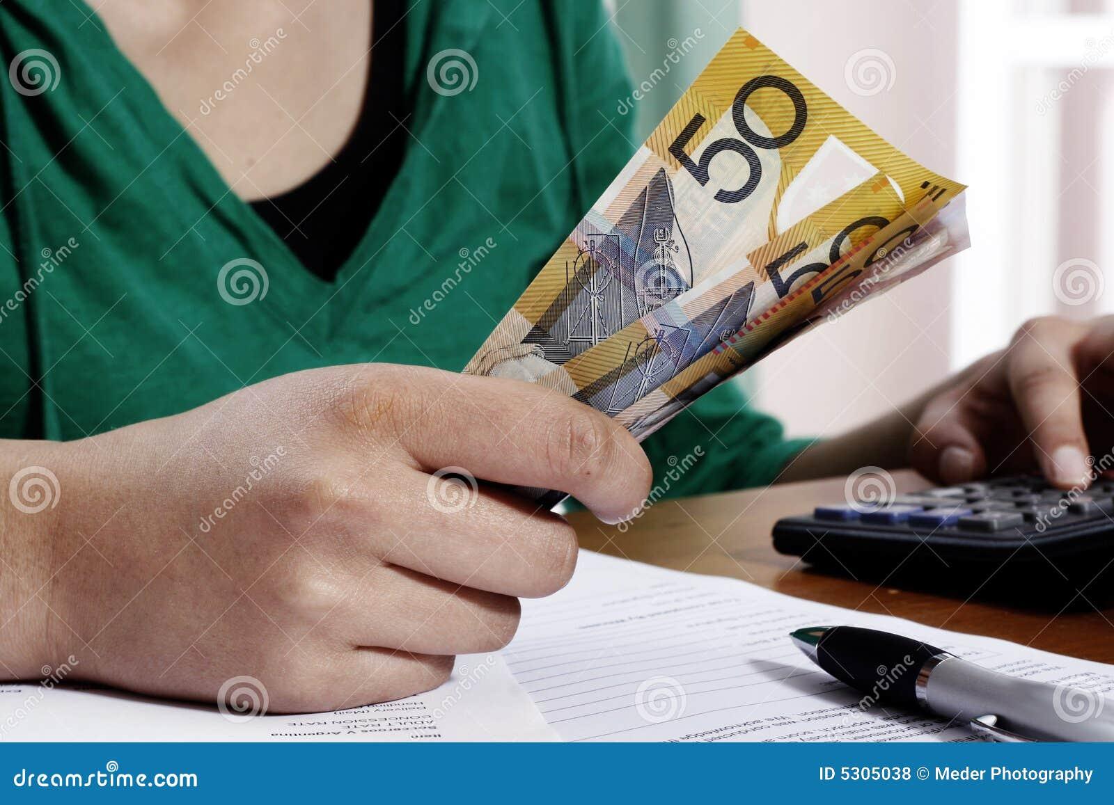 Download Conteggio dei soldi fotografia stock. Immagine di vendita - 5305038