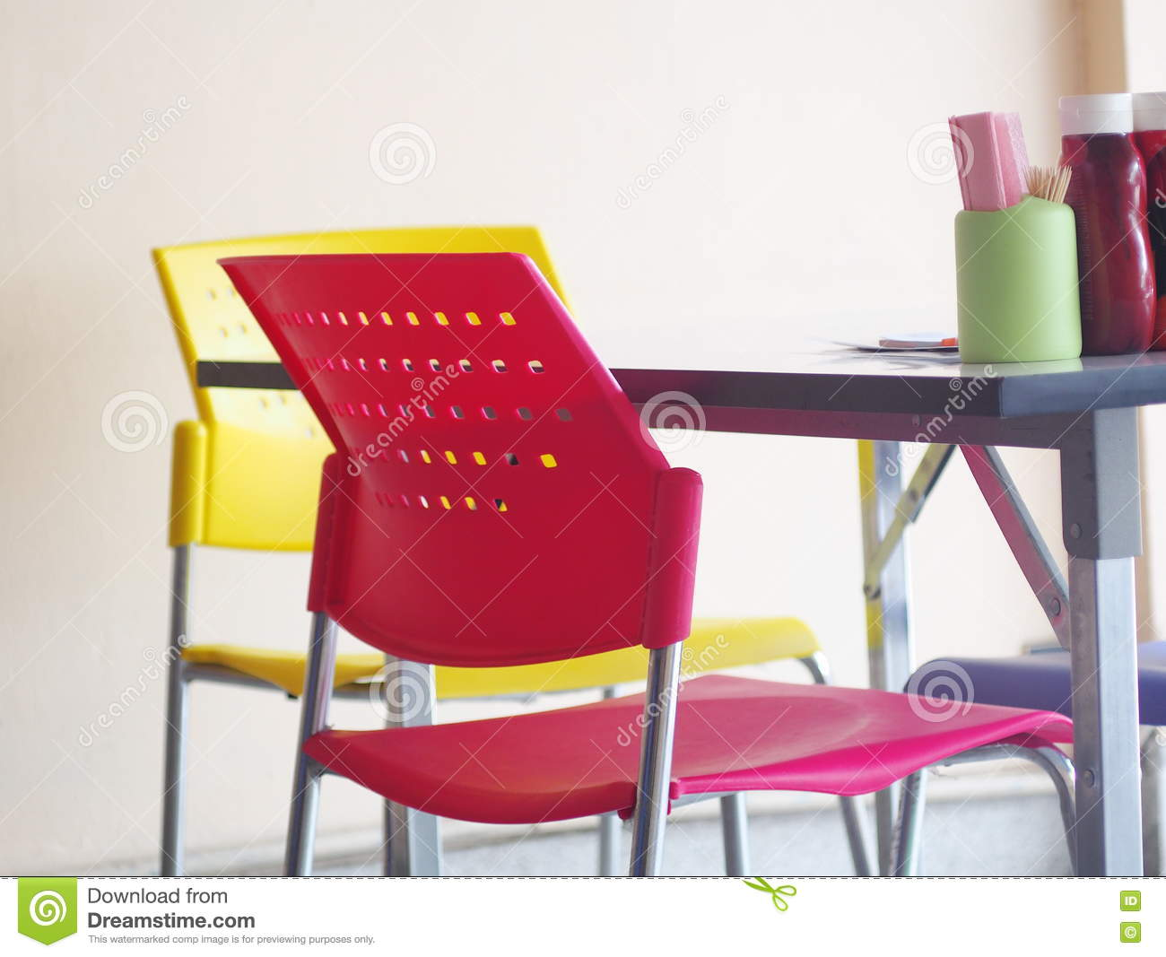 Contemporary interior style decoration and furniture in noodle shop
