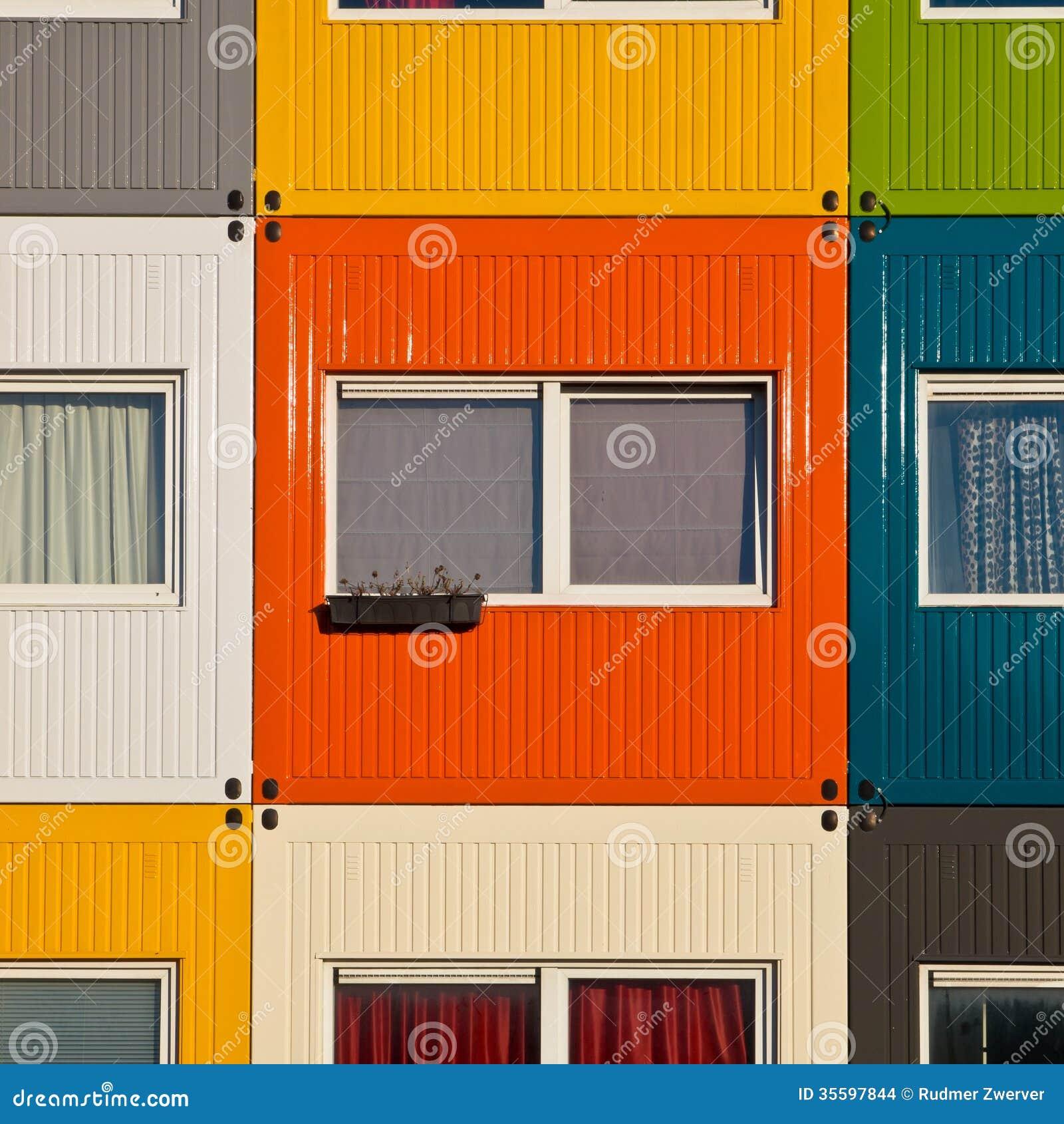 Contenedores para mercanc as coloridos usados como a casa - Contenedores usados para vivienda ...