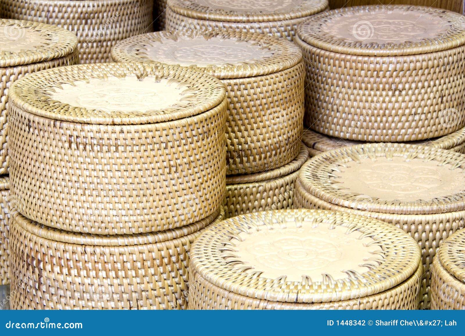Conteneurs traditionnels de paille