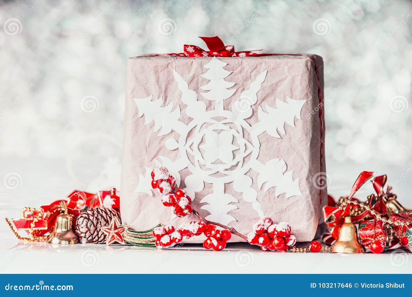 Contenitore Di Regalo Fatto A Mano Di Natale Con I Fiocchi Di Neve