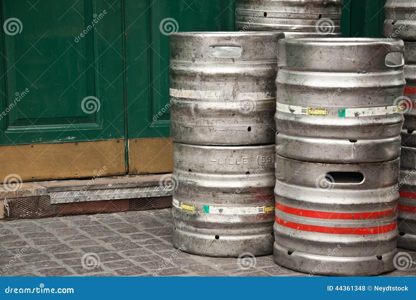 Contenitori di alluminio della birra