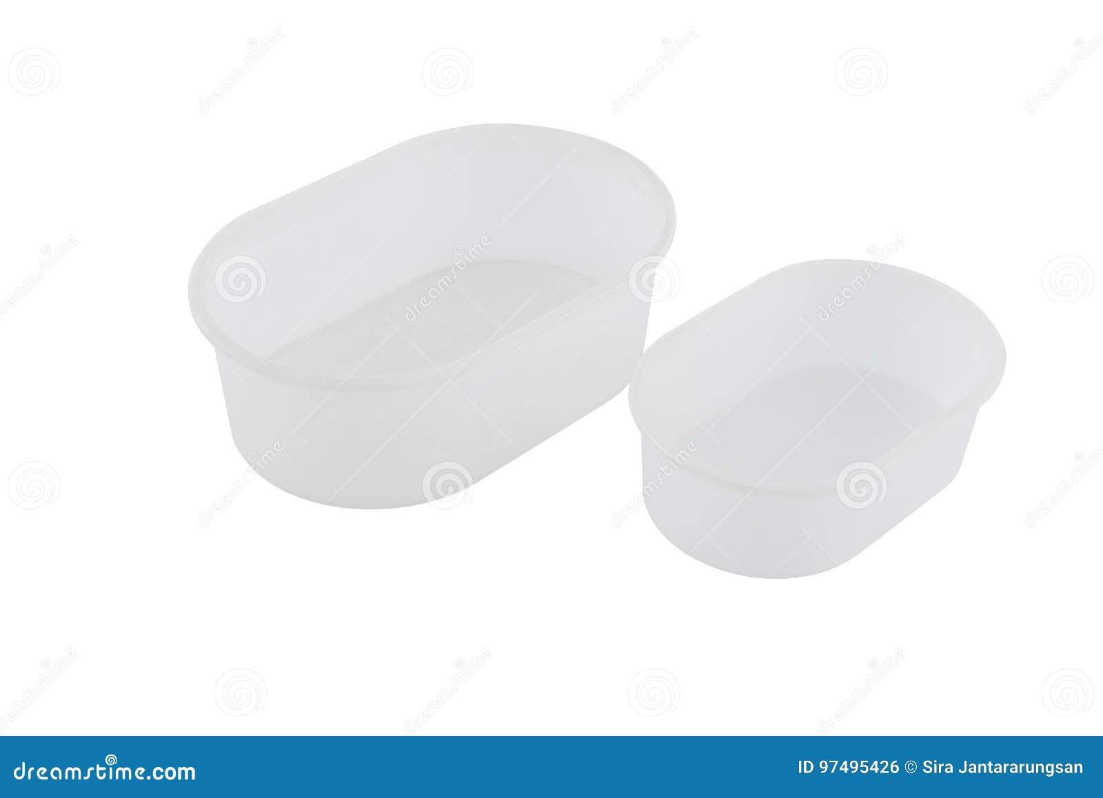 Contenitori vuoti per alimento isolato su fondo bianco