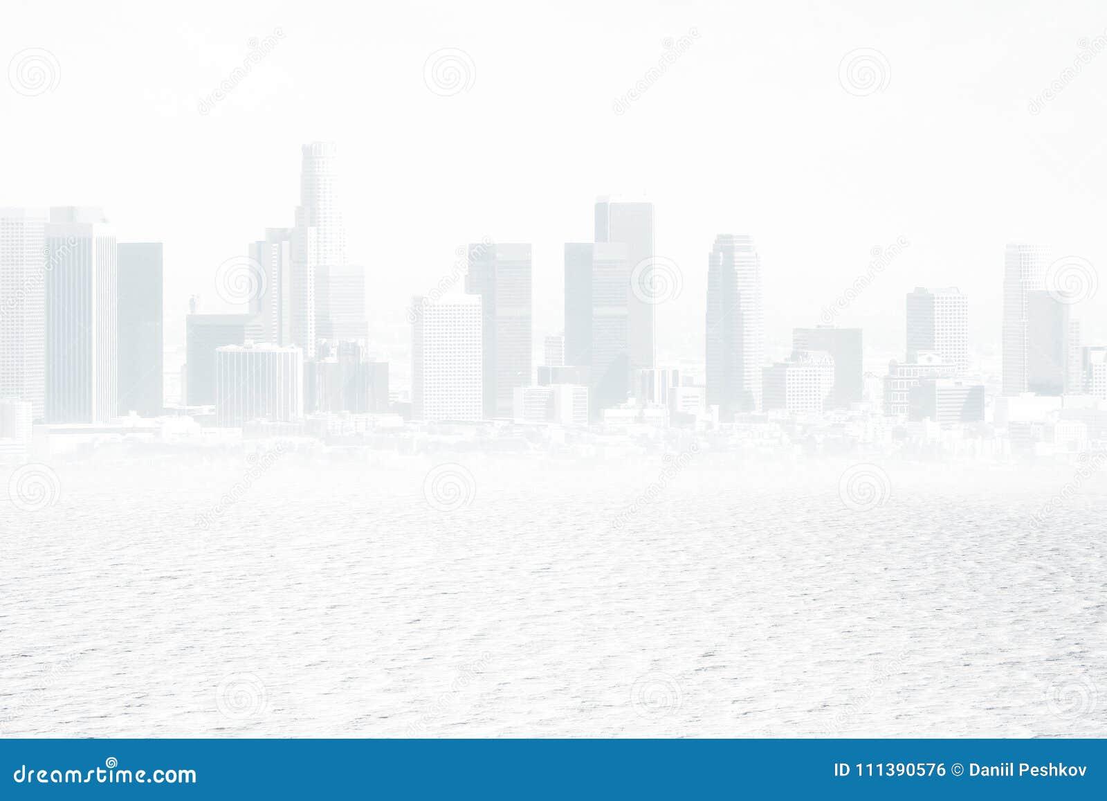 Contesto bianco della città