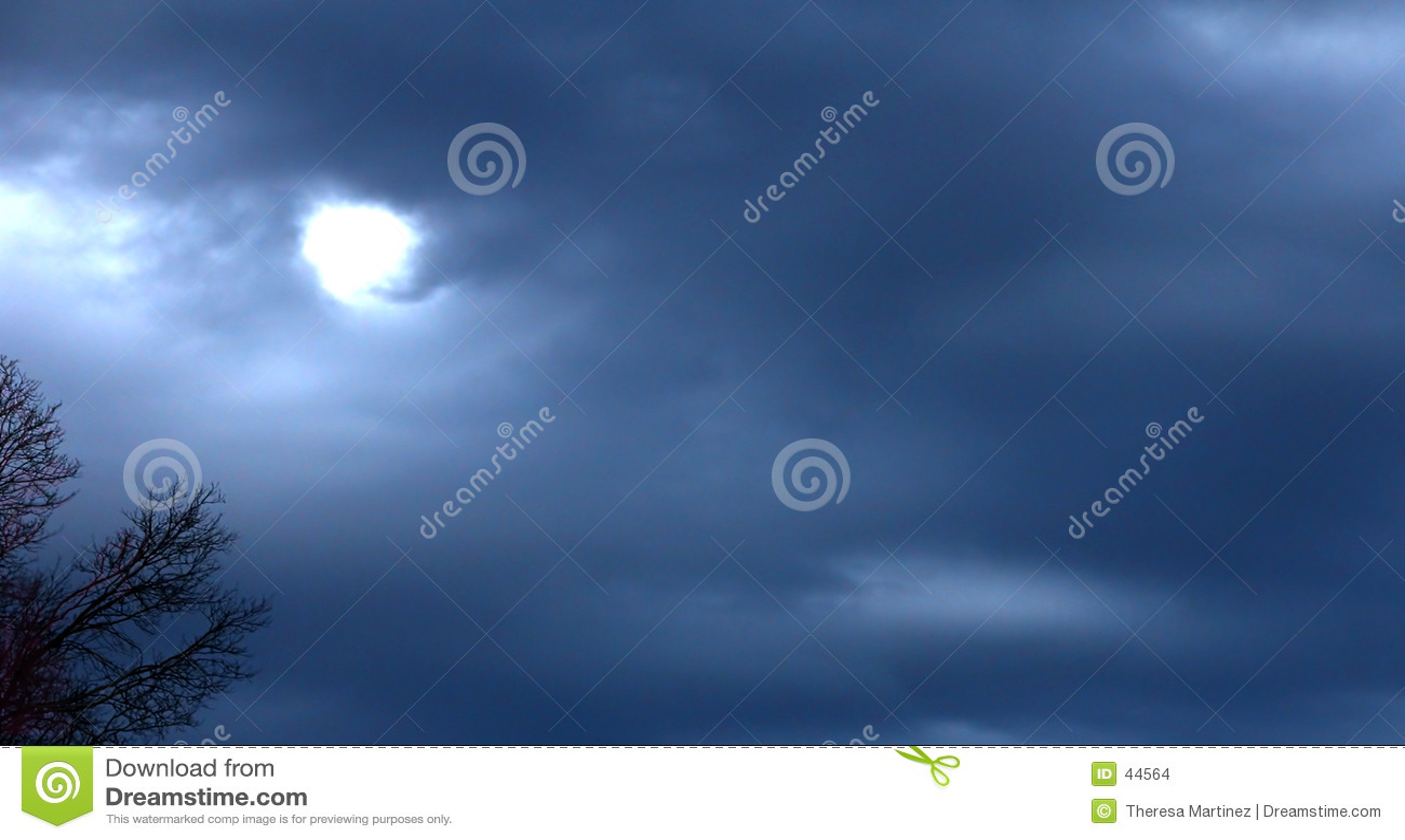 Download Contra Un Cielo De La Acción De Gracias Foto de archivo - Imagen de tormenta, extracto: 44564