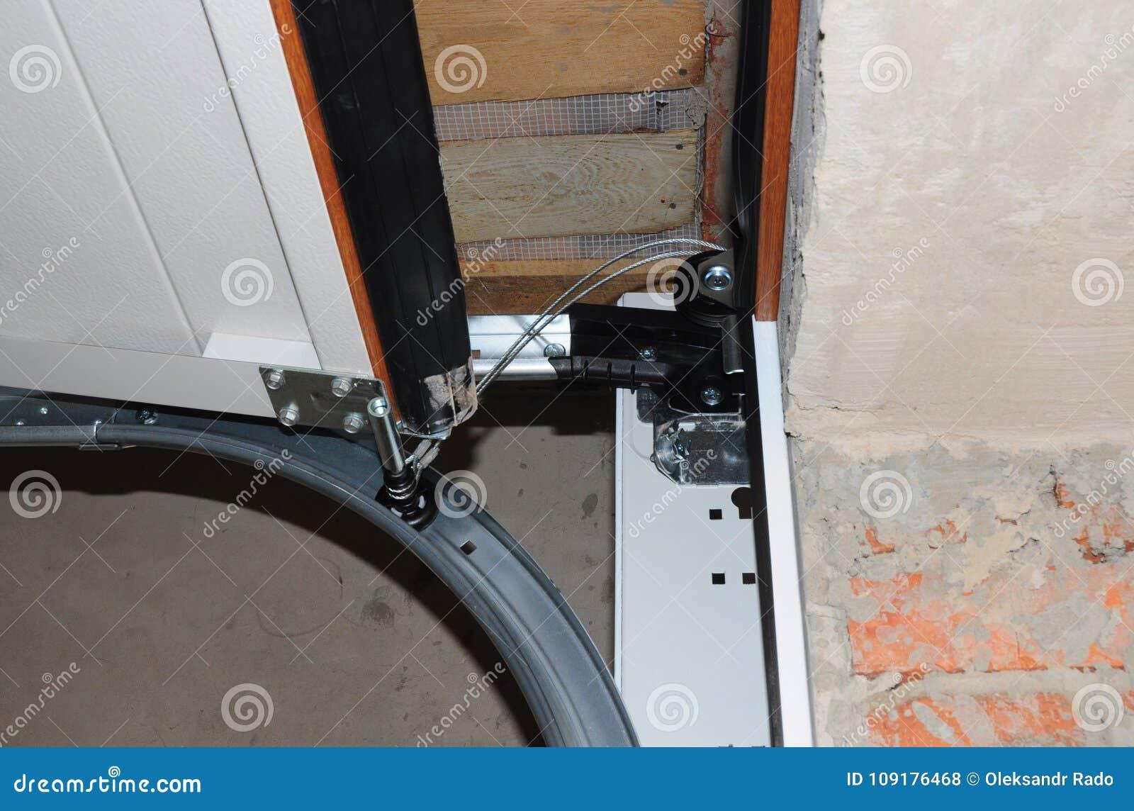 Contractor Repair And Install Garage Door Replace A Broken Garage