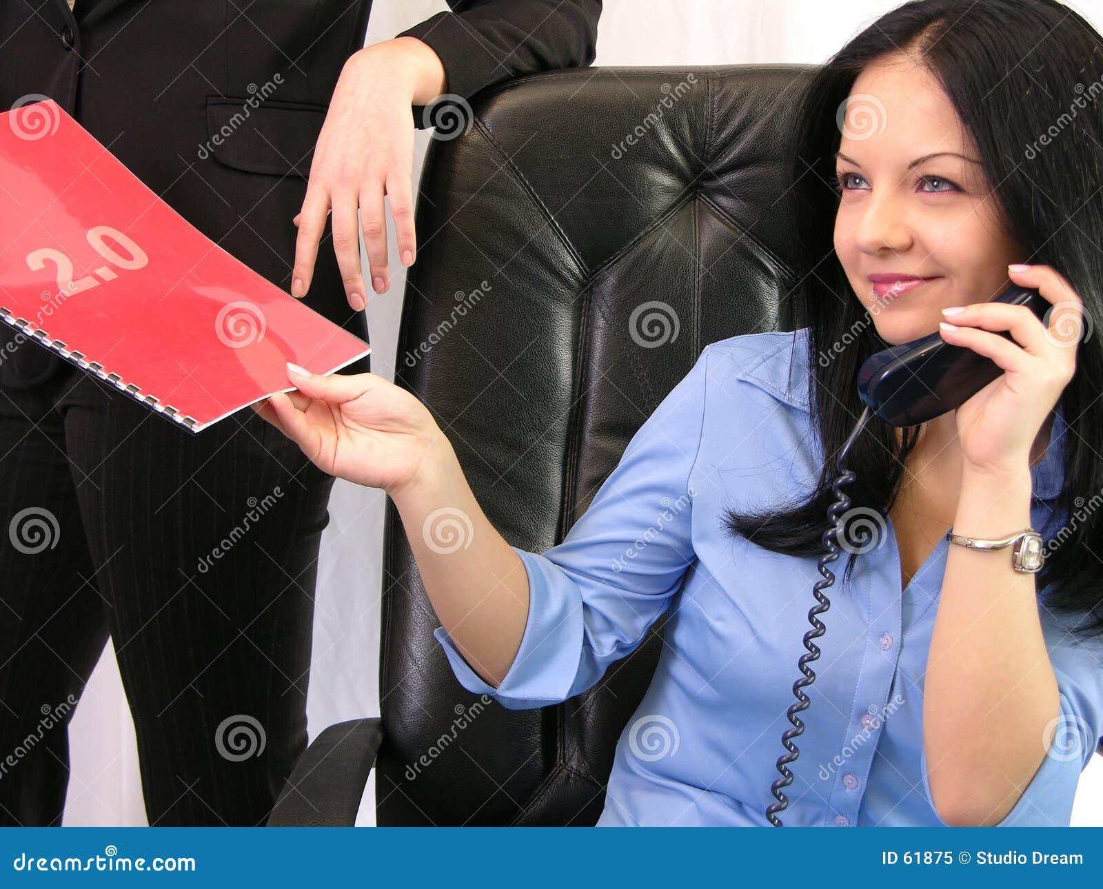 Download Contrat image stock. Image du people, rouge, reçoit, cheveu - 61875