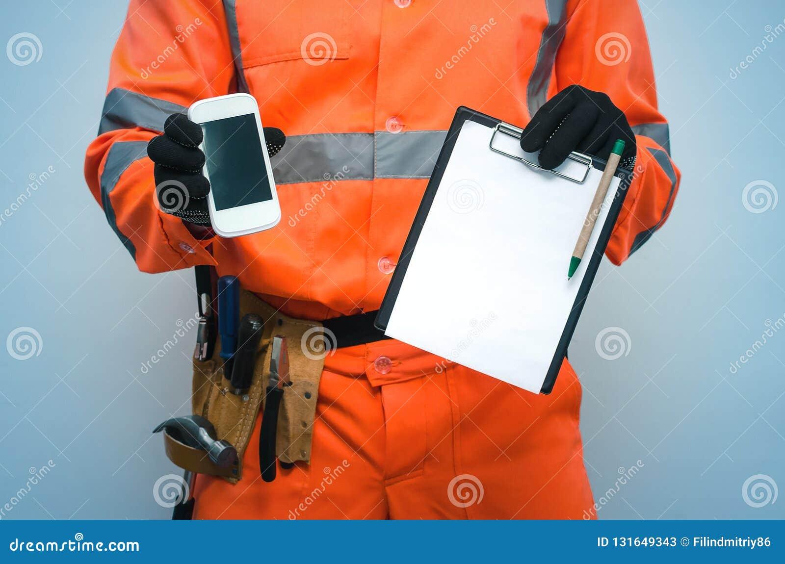 Contrat de construction Appel de liste de difficulté à un homme de réparation