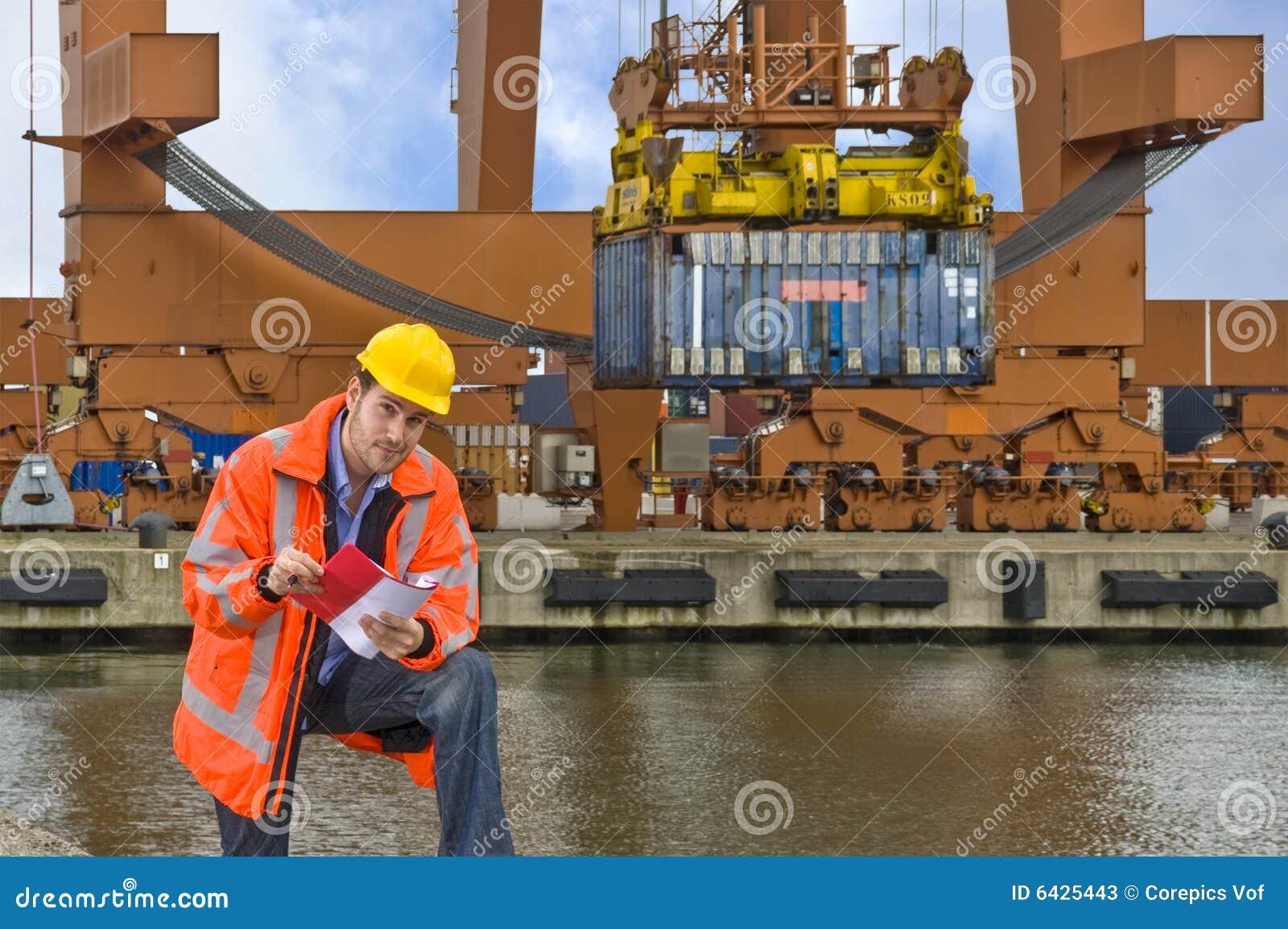Control de aduanas en el trabajo en un puerto comercial imagen de archivo imagen de anaranjado - Trabajo en el puerto ...