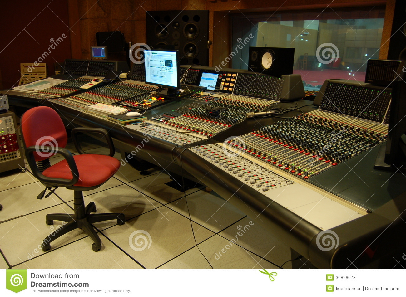 The control room of a professional music recording studio stock image image 30896073 - Optimaliseer de studio ...