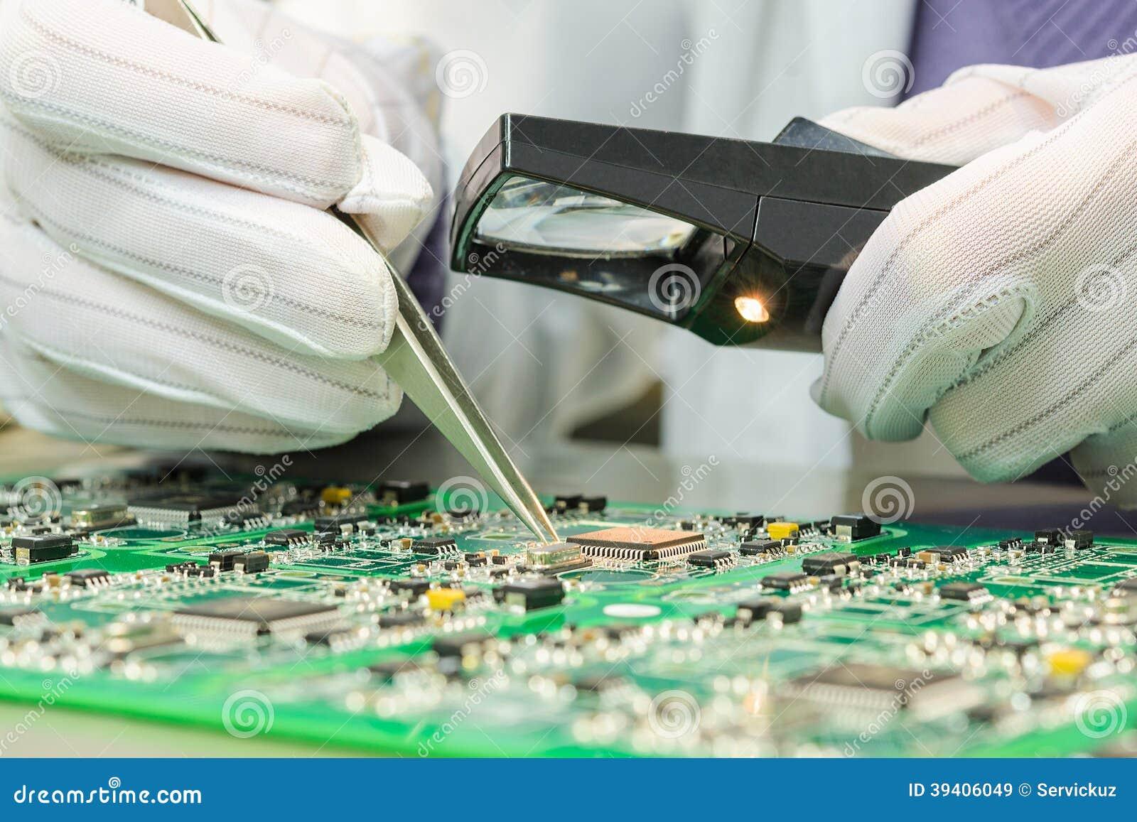 Controle da qualidade de componentes eletrônicos no PWB