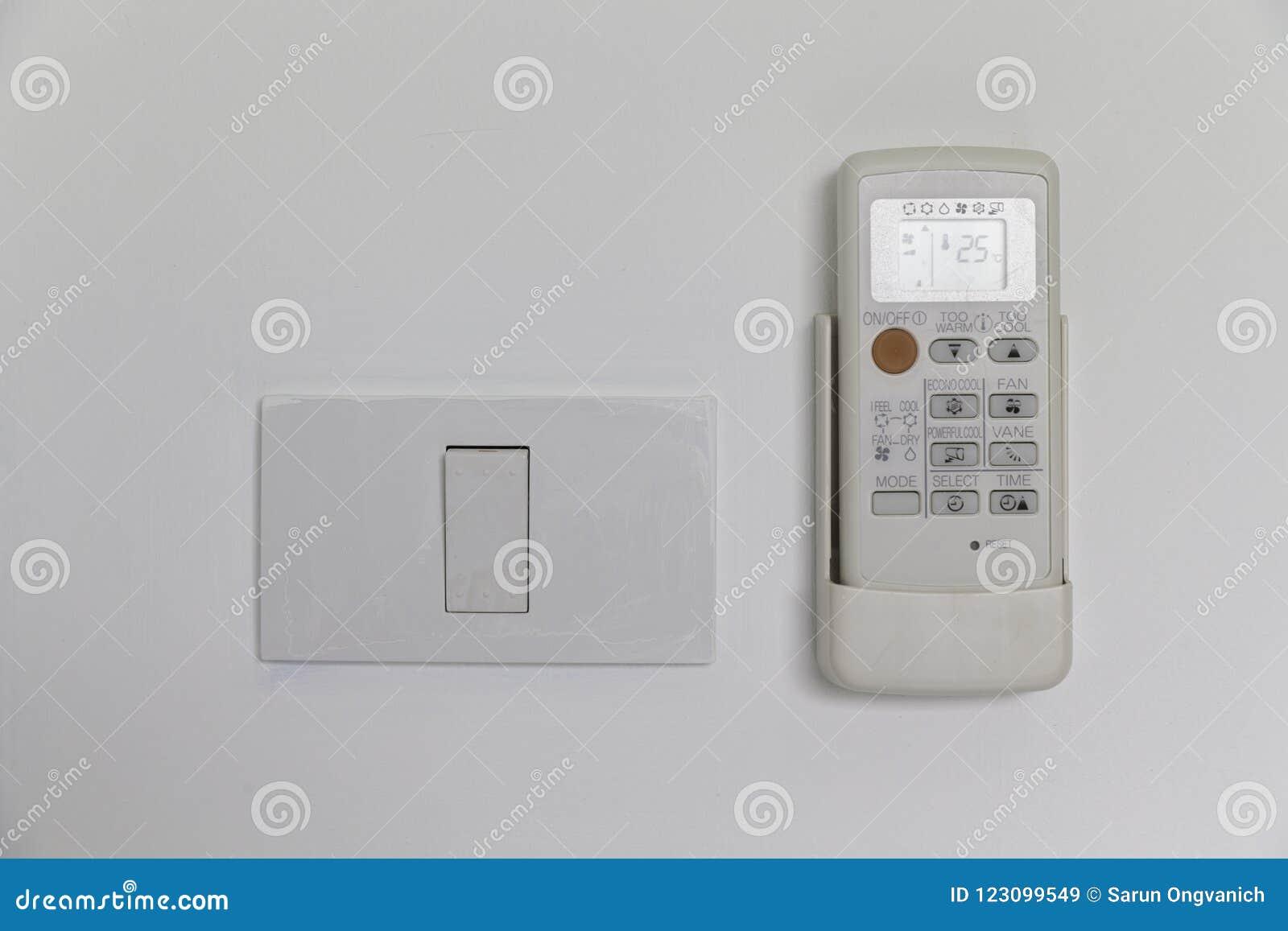 Controlo a distância do condicionador de ar e do interruptor da luz