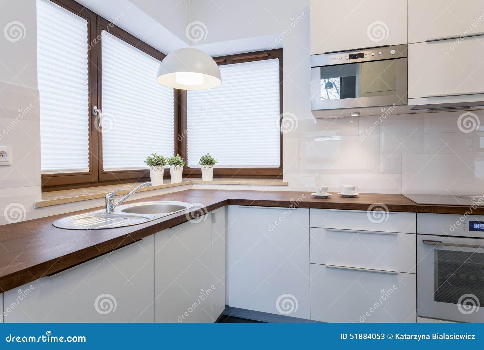 Controsoffitti di legno in cucina tradizionale fotografia - Controsoffitti in cucina ...