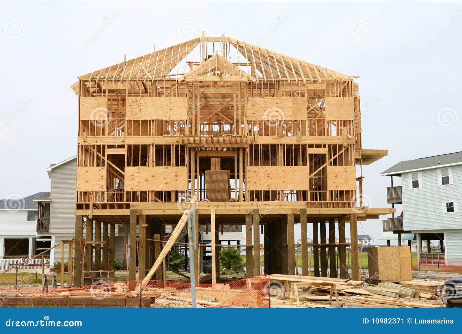 Contruction de la casa de madera estructura de madera americana imagen de archivo imagen - Casas estructura de madera ...