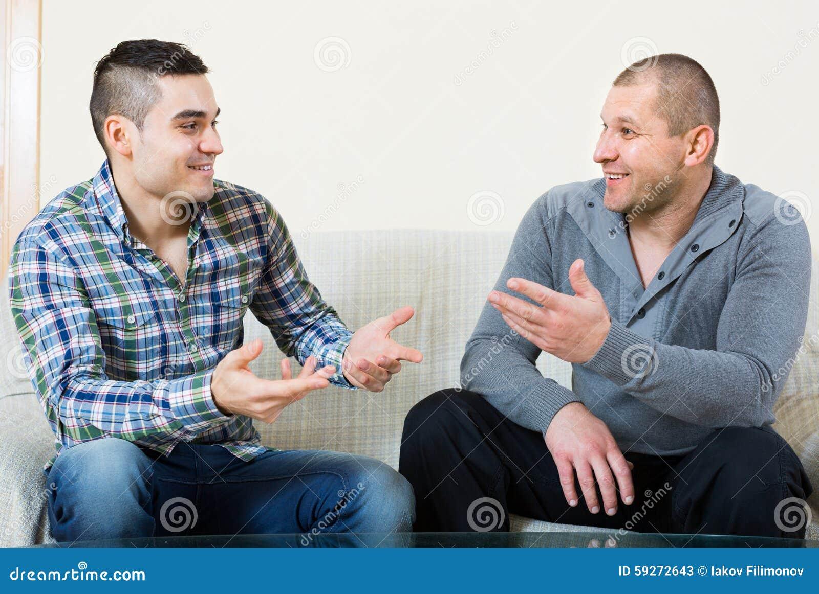 Conversación entre dos hombres interiores