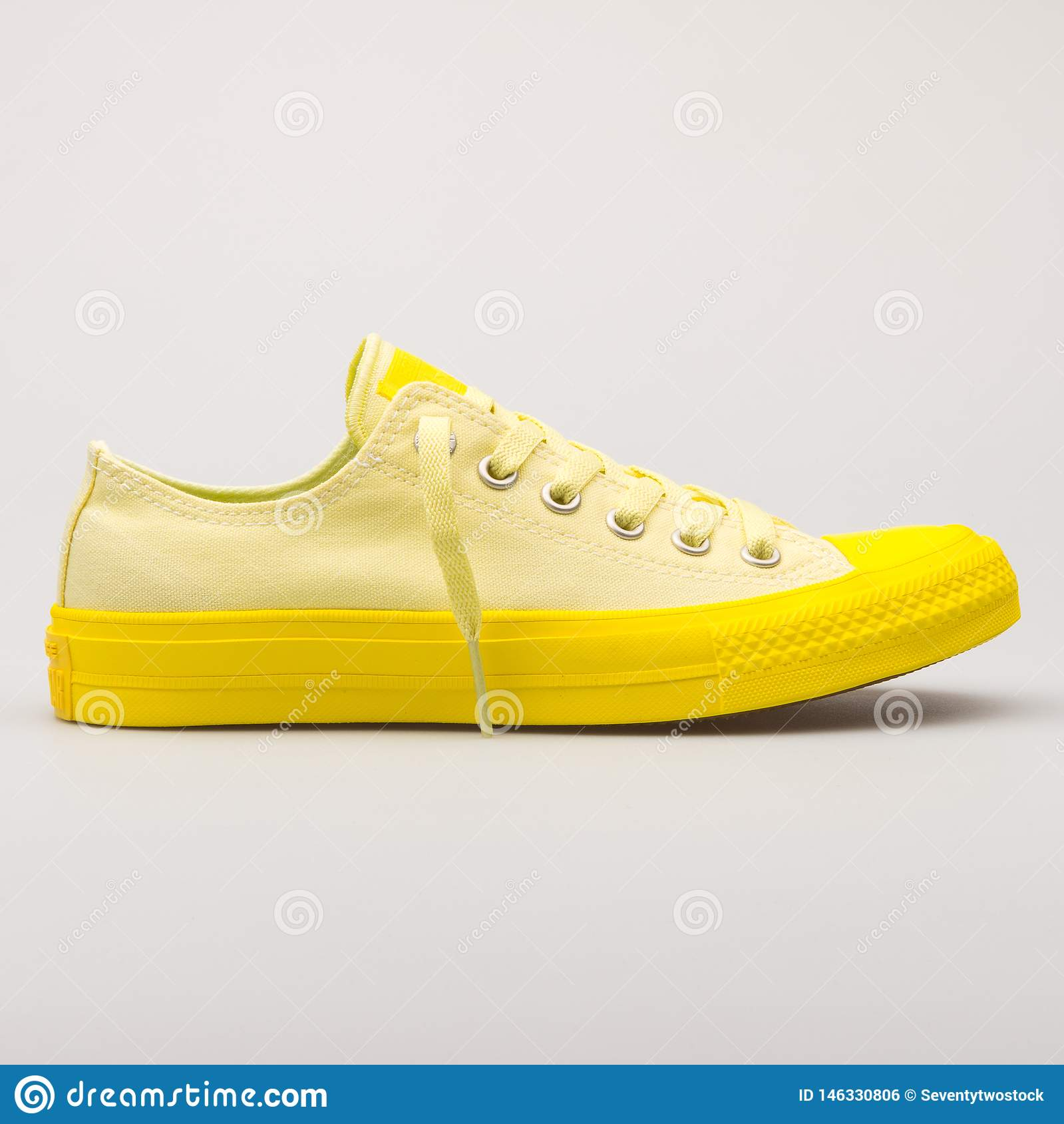 Converse Chuck Taylor All Star 2 OX Lemon Yellow Sneaker