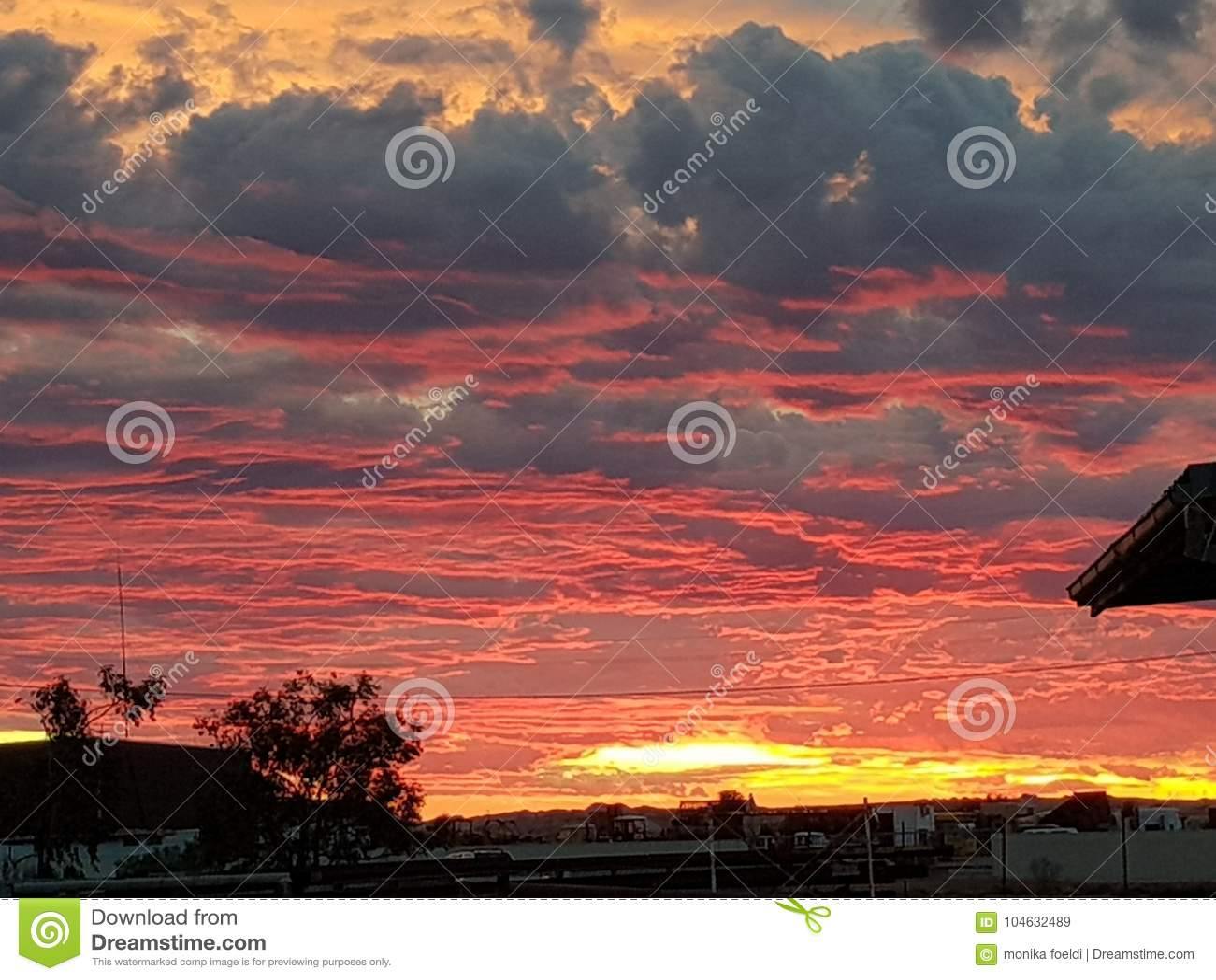 Download Coober Pedy Zon Geplaatst Zuid-Australië Stock Afbeelding - Afbeelding bestaande uit schemer, hemel: 104632489